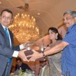 16 DSC_0256 award1